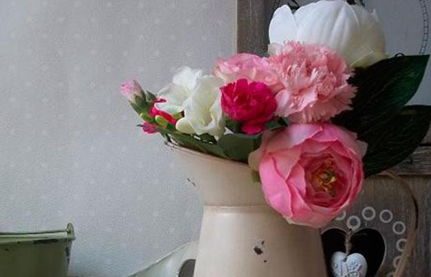 Состаренный стиль любит цветы в любой форме