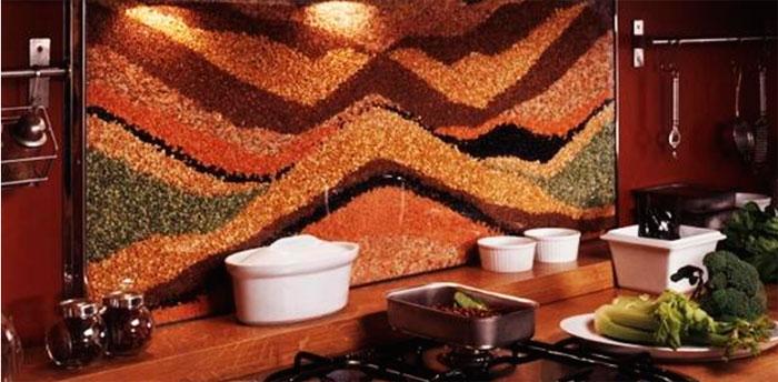 Кофейные зерна, галька и другие оригинальные современные фартуки для кухни, фото