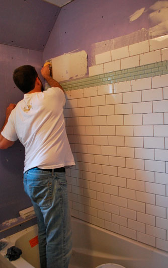 Какой клей для плитки на пол и на стены