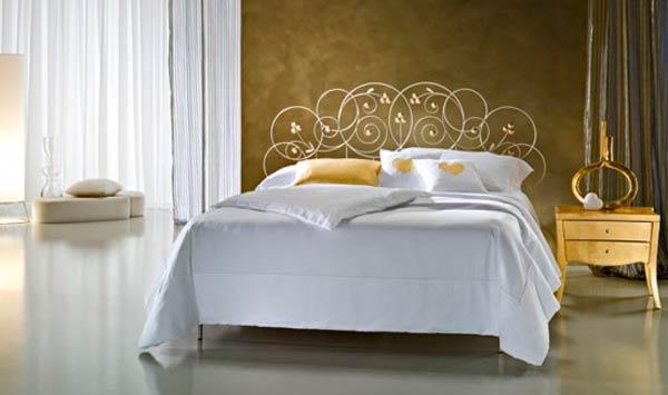 Металлические столы, стулья и кровати для спальни