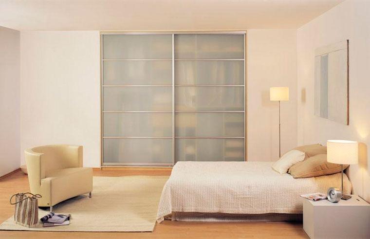 Дизайн спальни со встроенным шкафом – фото