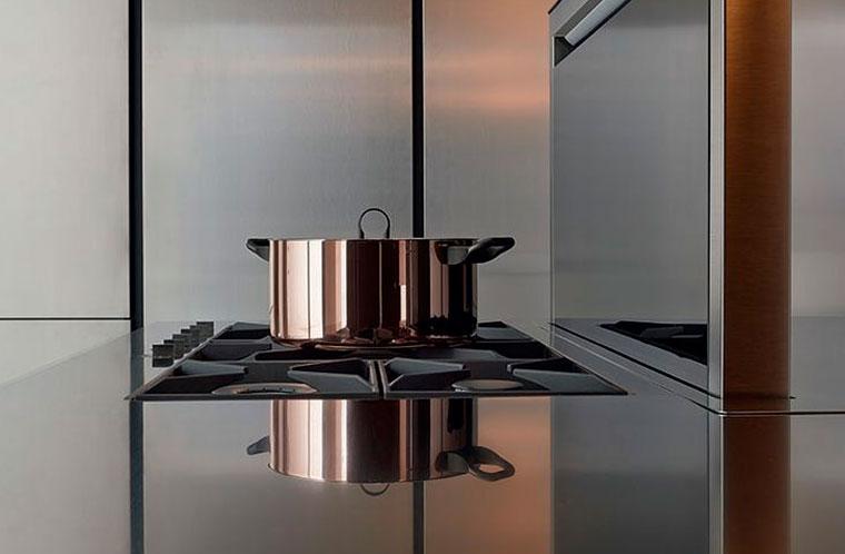 Столешница из стекла на кухню