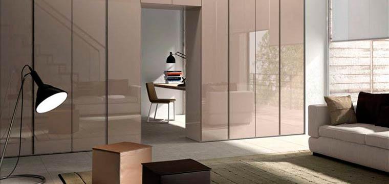 Спальня со встроенными шкафами