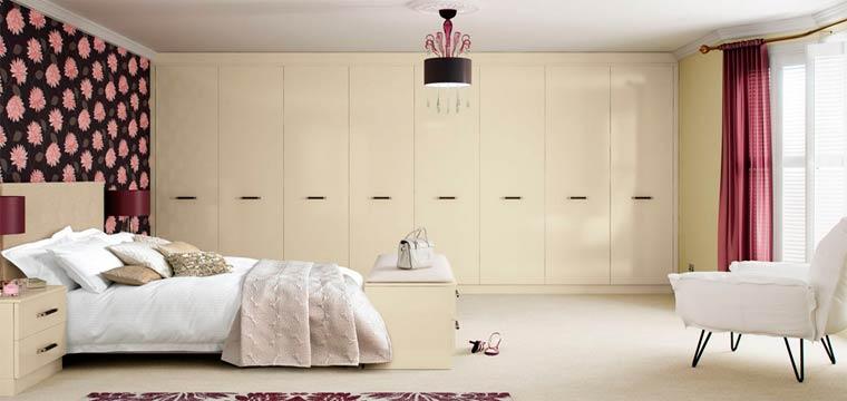 Спальня со встроенным шкафом фото