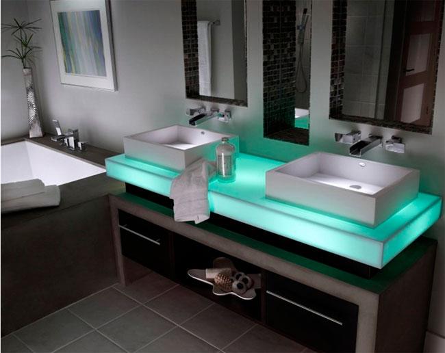 Две раковины в ванной