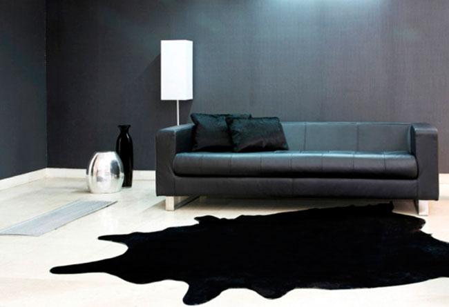 Черные диваны в интерьере – варианты использования