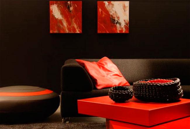 Черная мебель отлично будет сочетаться с другими яркими цветами