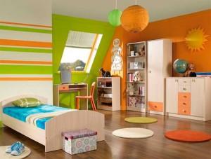 Комната в зелено-оранжевом цвете