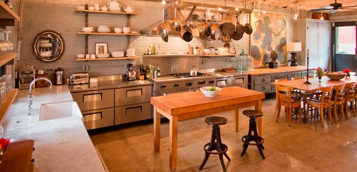 Фартук под кирпич на кухне