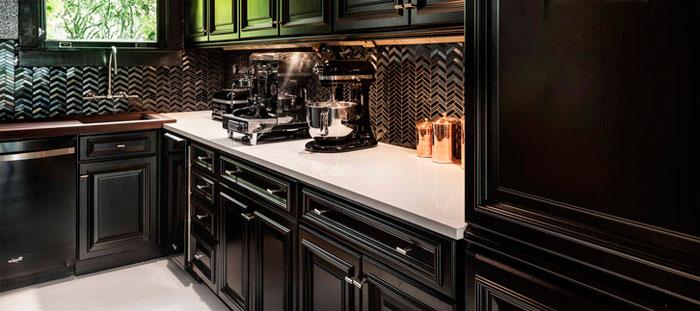 Черный фартук для кухни