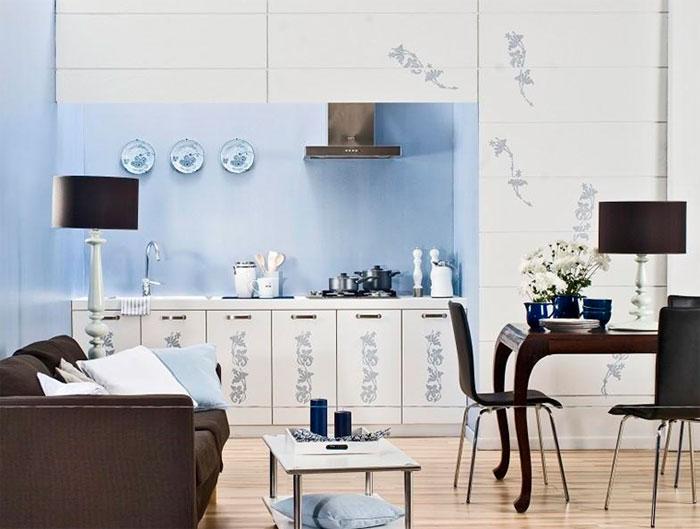 Голубой цвет стен на кухне