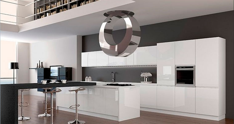 Дизайн кухни-гостиной хай тек