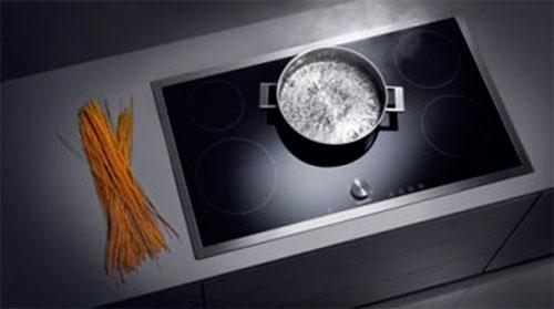 Индукционная плита с рамкой