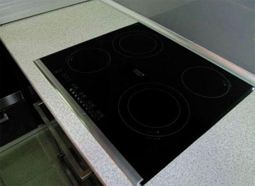 Индукционная плита с одной рамкой