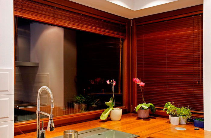 A photo. Beautiful blinds in the kitchen