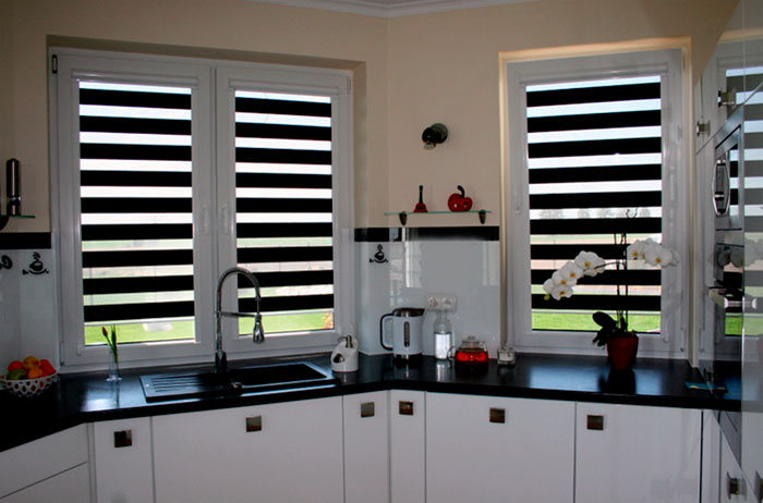 Blinds day night to the kitchen