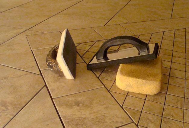 Фугование швов плитки керамогранита для наружных лестниц