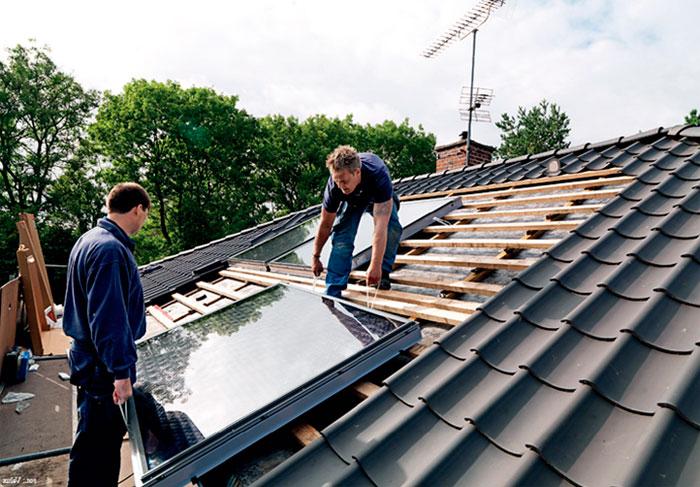 Монтаж солнечных коллекторов в крыше
