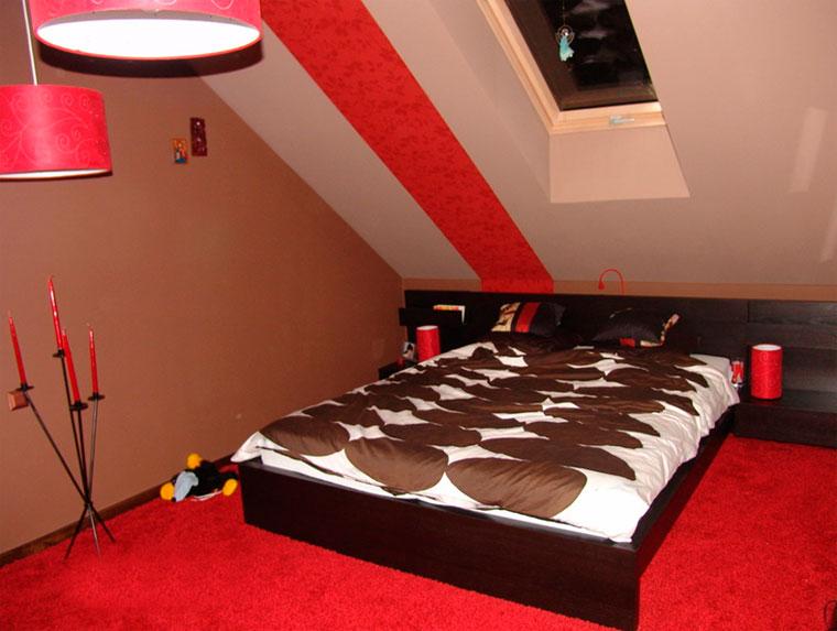 Маленькая красная спальня