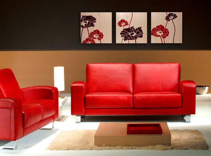 Интерьер с красным, серым, оттенками коричневого, бежевого