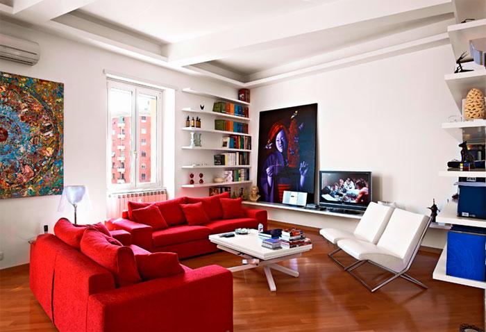 Красный цвет в зале
