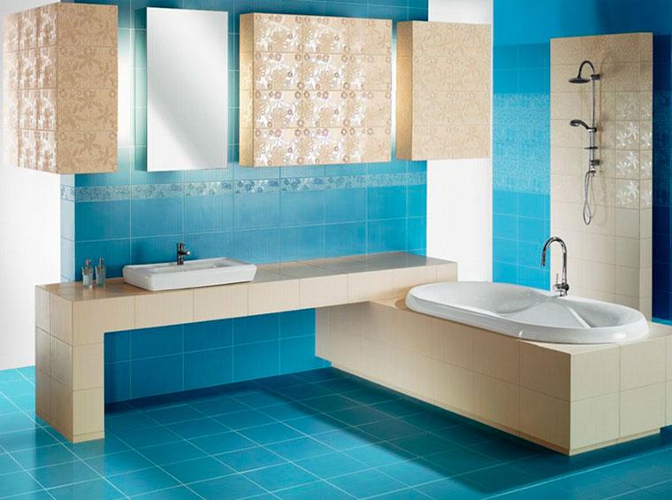 Пол в ванной в морских цветах