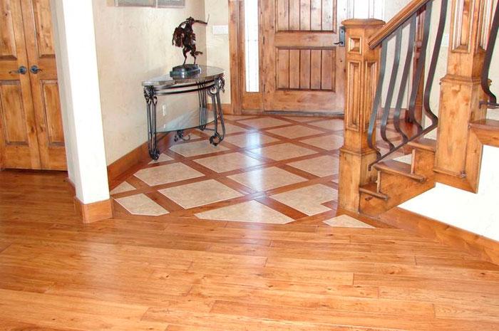 Керамическая плитка в гостиную - имитация деревянного пола