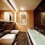 Полы из натурального камня в ванной