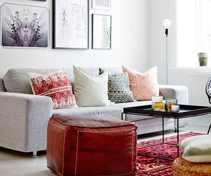 Отличной цветовой добавкой также может быть пуф или кресло