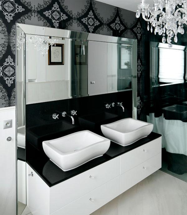 Glamor bathroom with black and white tiles, photo