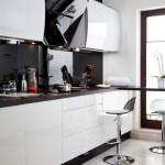Кухня в бело-черных тонах