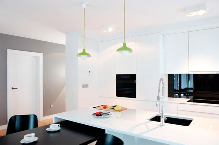 Аскетизм и порядок в интерьере кухни