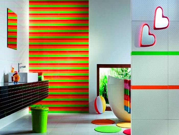 Насыщенные цвета в ванной комнате