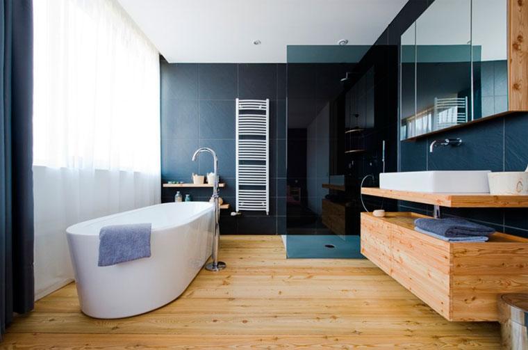 Ванная комната под дерево