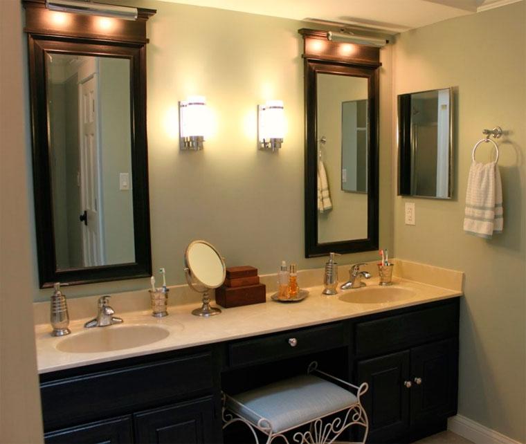 Раковина, встроенная в столешницу в ванной