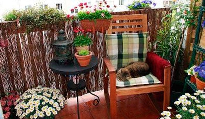 Какая подойдет мебель для лоджии и балкона