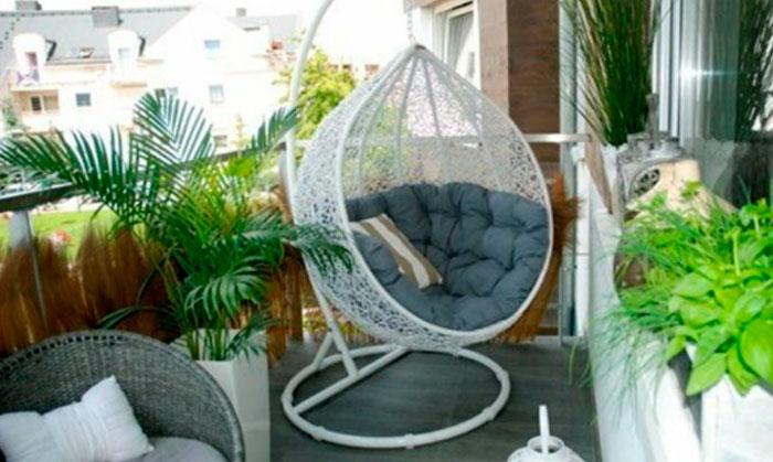 подвесное кресло-яйцо из ротанга или пластика