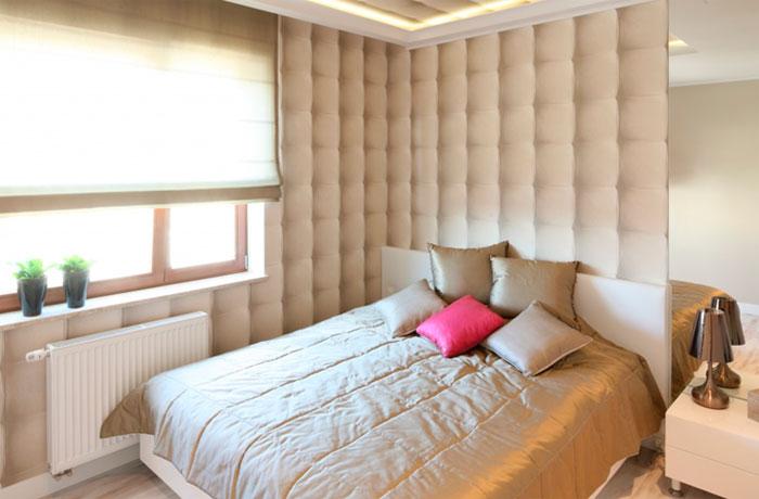 Стена в спальне над кроватью – модные обои