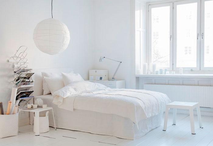Интерьер белой спальни, фото