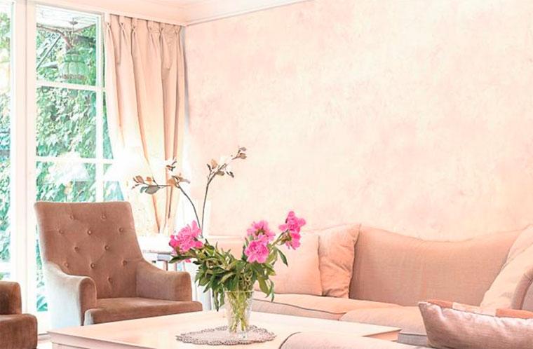 Декоративная краска для стен с эффектом шелка – фото