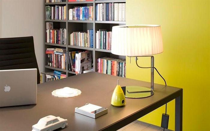 Кабинет в доме: роль света