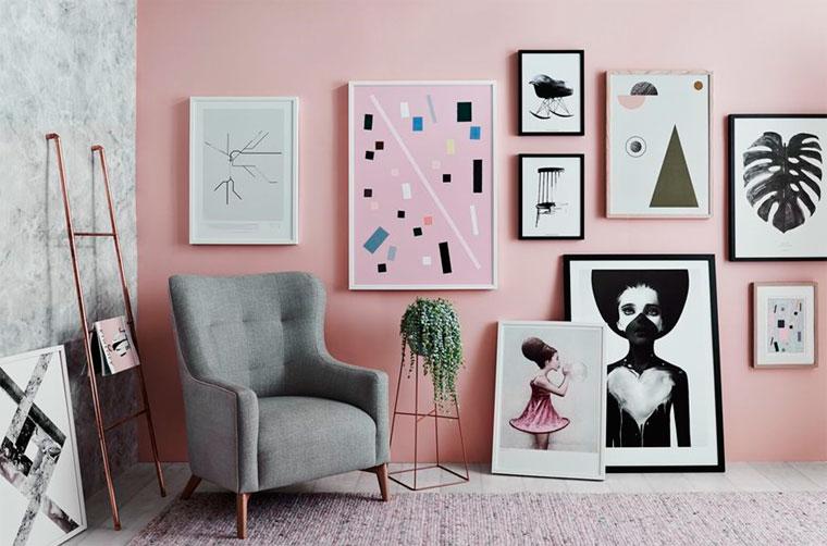 Как разместить картины на стене