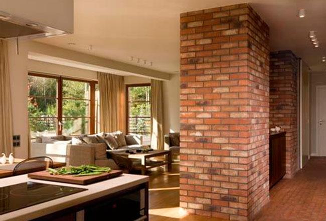 Новая кирпичная стена в квартире