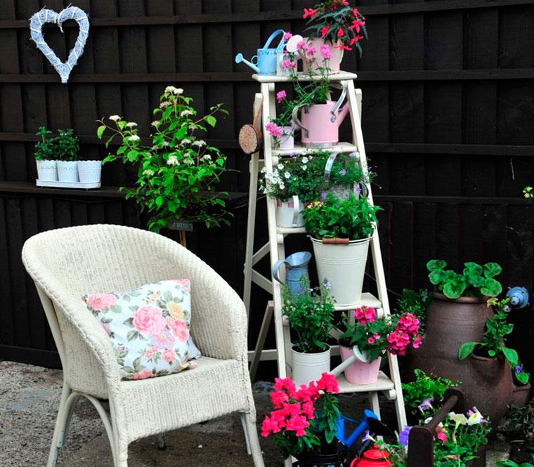Напольная высокая подставка для цветов