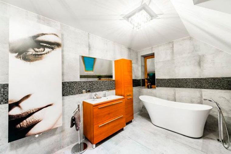 Какой потолок выбрать в ванной комнате