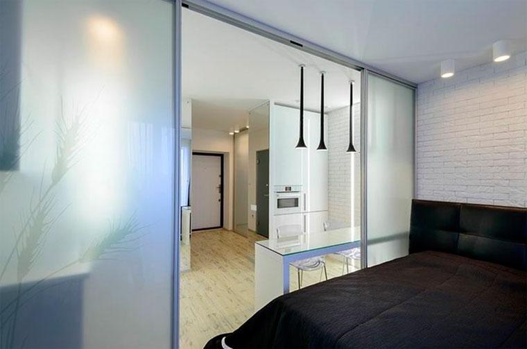 Стеклянные раздвижные двери: современный дизайн