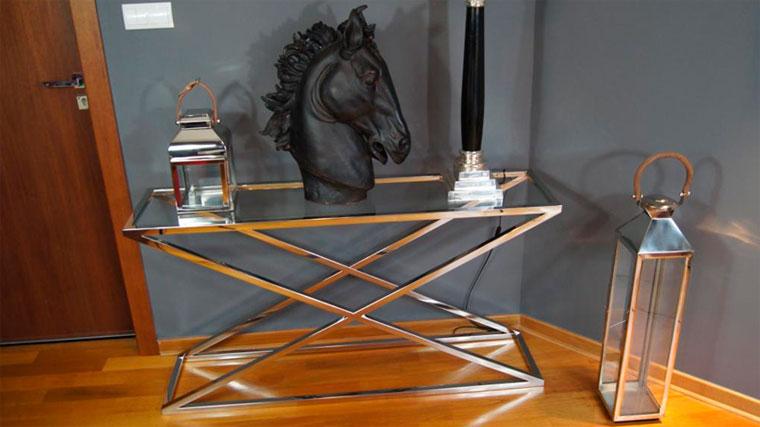 Консольные столики в прихожую оригинальной формы