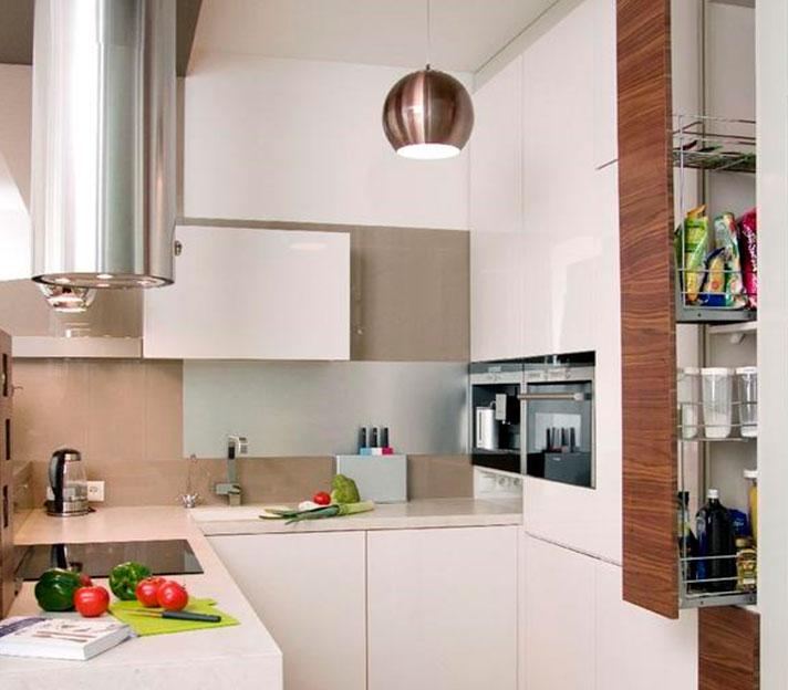 Планируем угловые кухонные гарнитуры для маленькой кухни