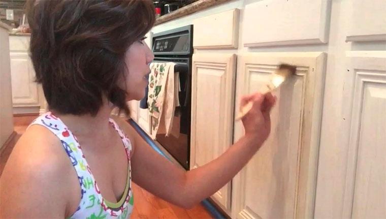 Как покрасить кухню своими руками?