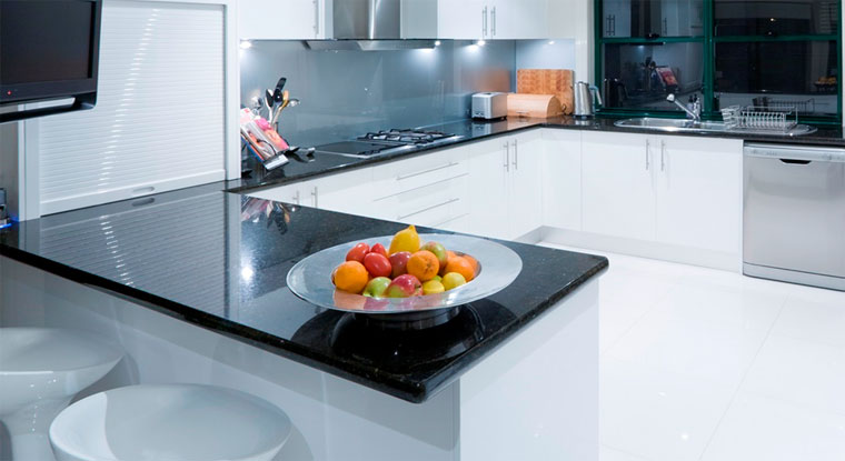 Какая столешница лучше для кухни?